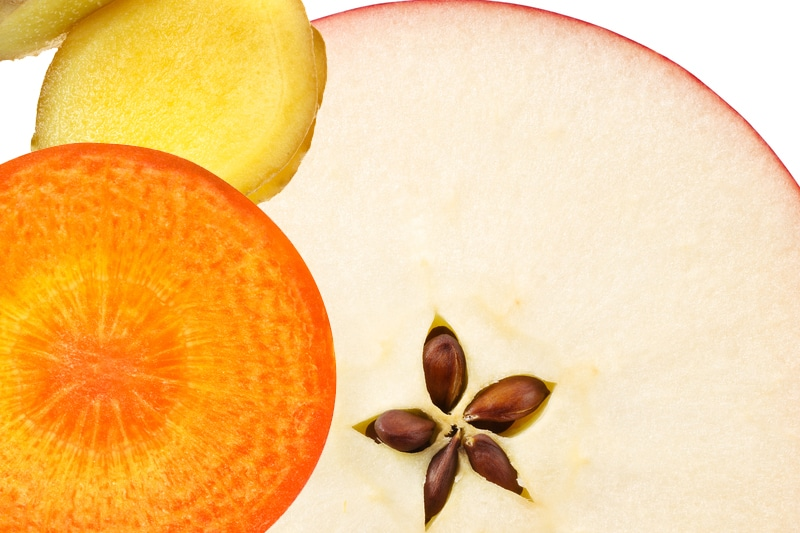 Juicing pomme carotte gingembre