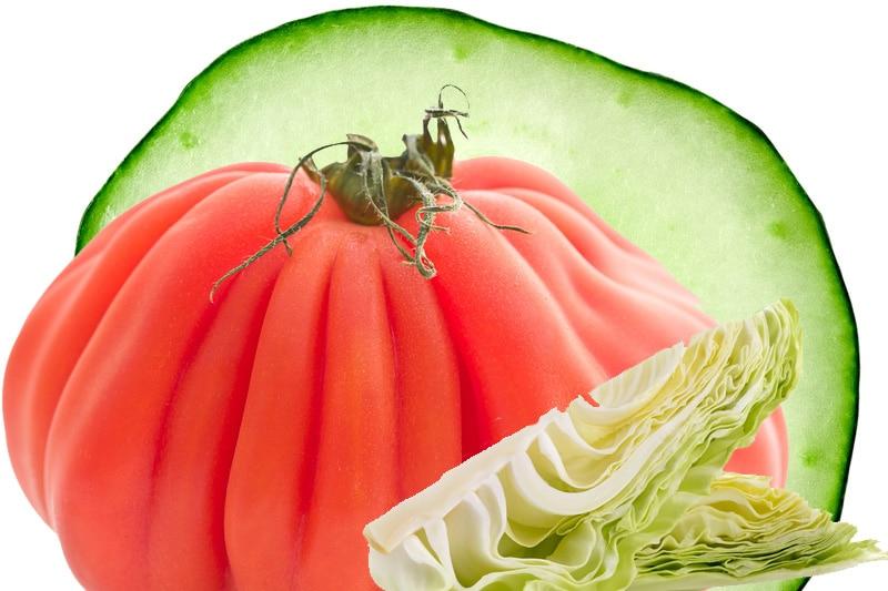 Juicing chou, tomate et concombre