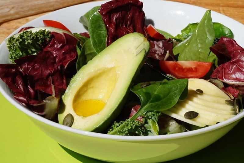 Salade épinard, kale, pomme avocat