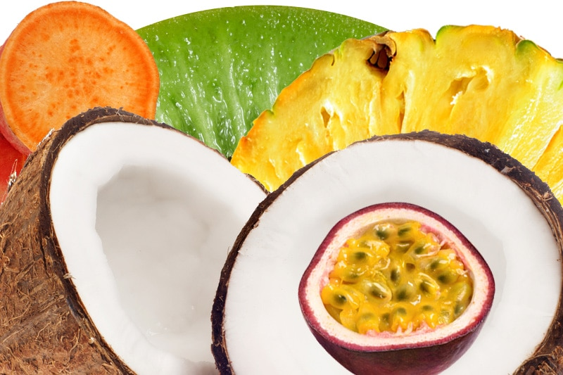 Juicing ananas, kiwi, passion, patate douce, coco