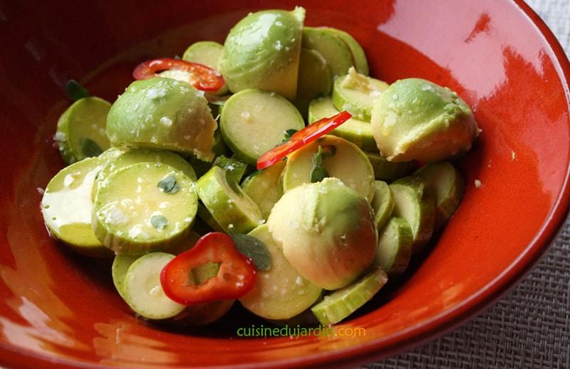 Salade courgette, avocat, poivron