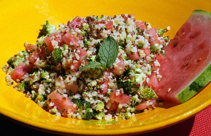 Taboulé de quinoa-boulgour au brocoli, pastèque et menthe