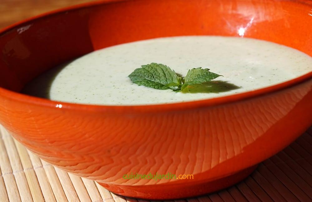 Soupe froide concombre et menthe au babeurre