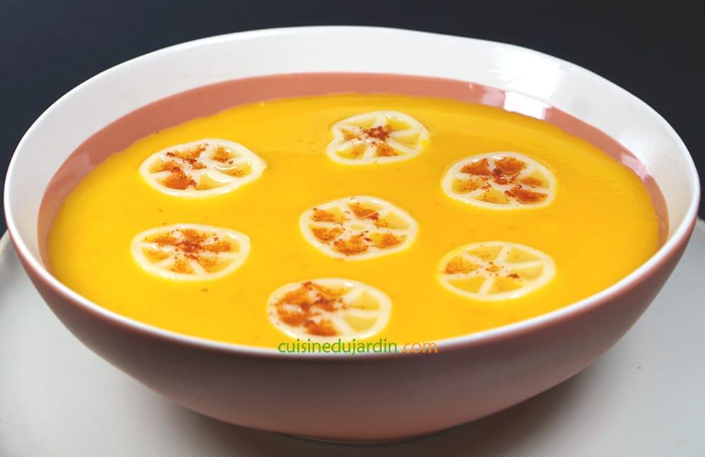 Soupe au potimarron et navet boule d'or