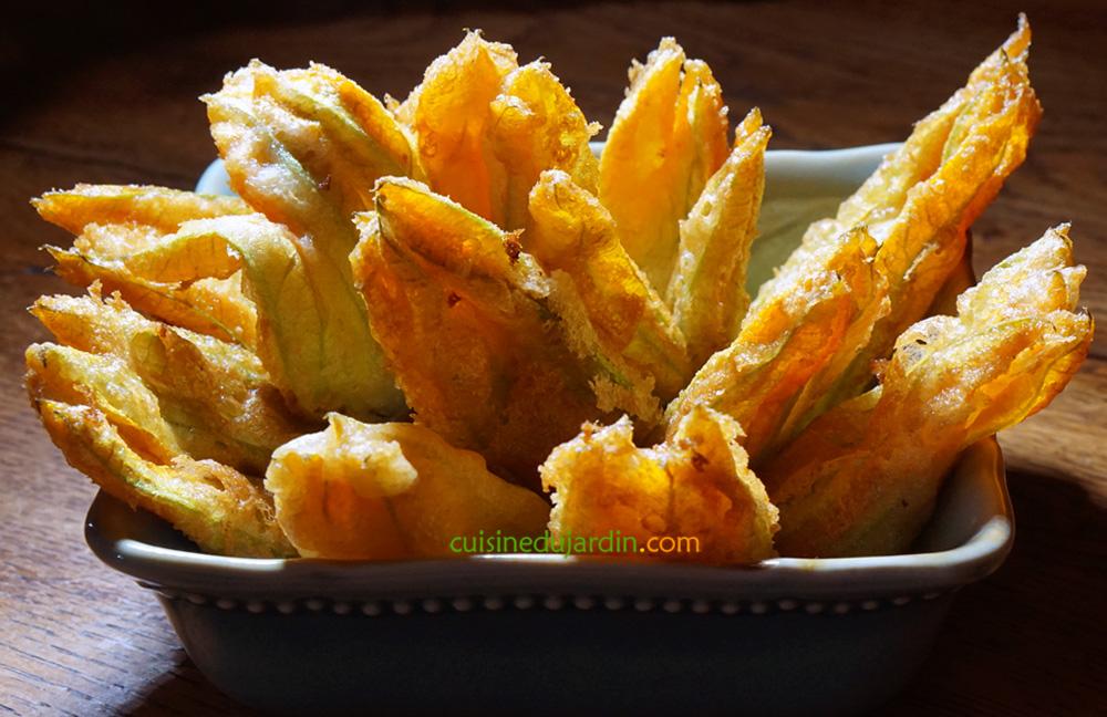 Fleurs de courgette en tempura